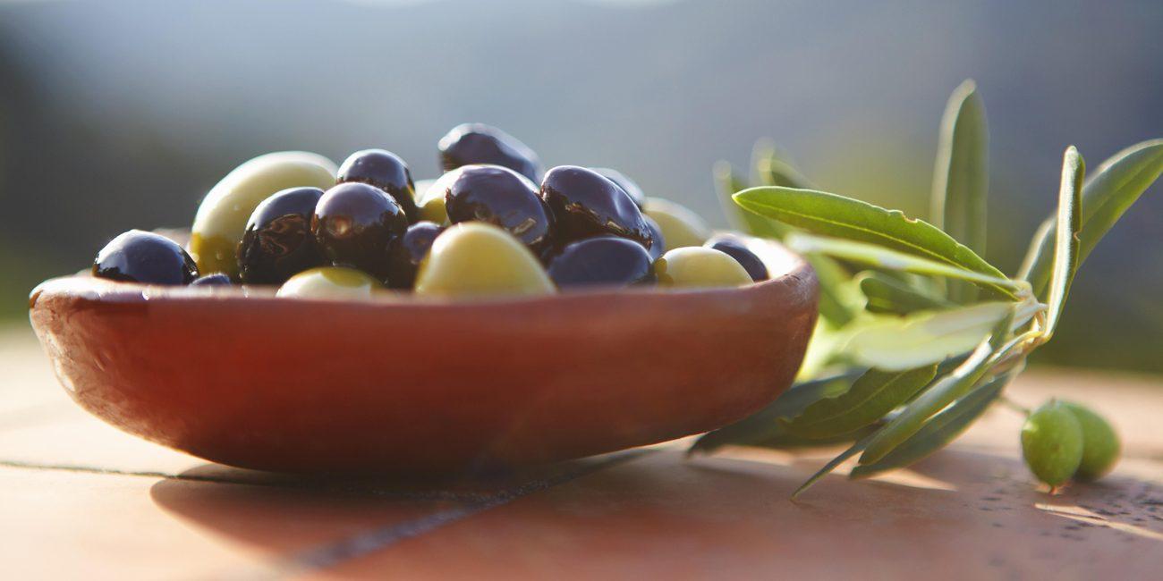 τα πολλά διατροφικά πλεονεκτήματα της επιτραπέζιας ελιάς