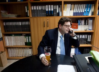 In Greece, Brewer's Woes Reflect Struggle of Business Owners
