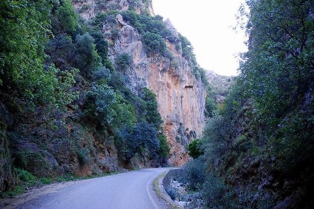 Χανιά: Αναβάθμιση των αγροτικών δρόμων στο Θέρισο