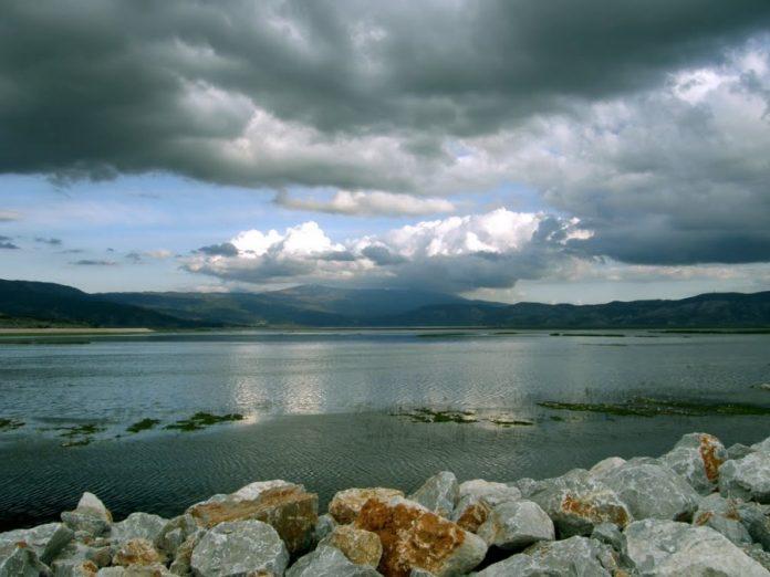 Για το έργο της επανασύστασης της Λίμνης Κάρλας βραβεύεται η Περιφέρεια Θεσσαλίας