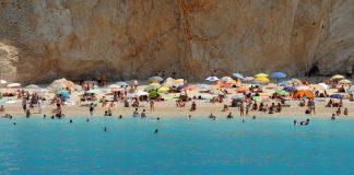 Η παραλία των Εγκρεμνών έχει εξαφανιστεί (Βίντεο)
