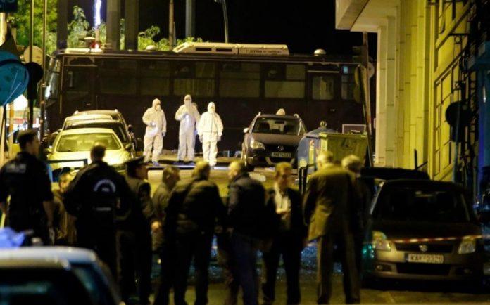 Ζημιές στο κέντρο της Αθήνας από την έκρηξη στα γραφεία του ΣΕΒ