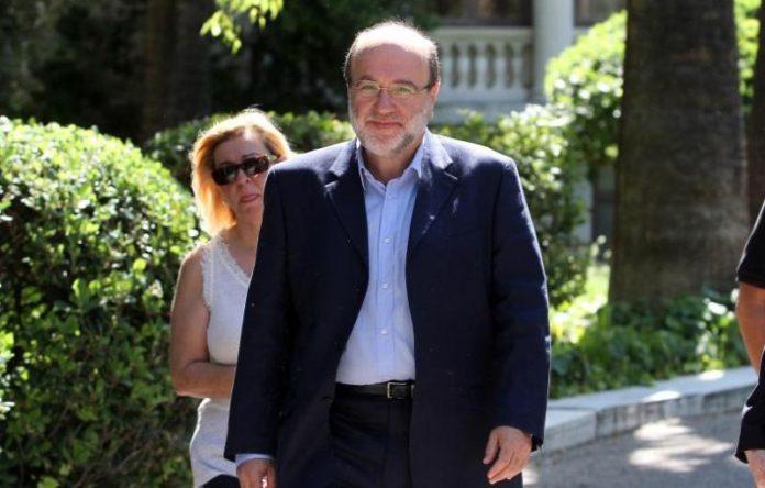 Απορρίπτει αφορολόγητο 12.000 ευρώ για τους αγρότες ο Αλεξιάδης