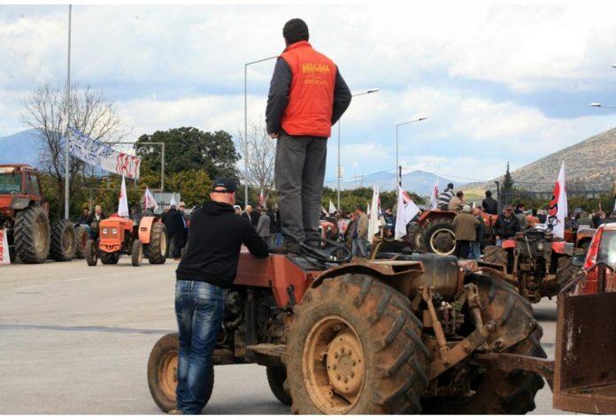 Σύσκεψη αγροτών για μπλόκα στον Αμπελώνα