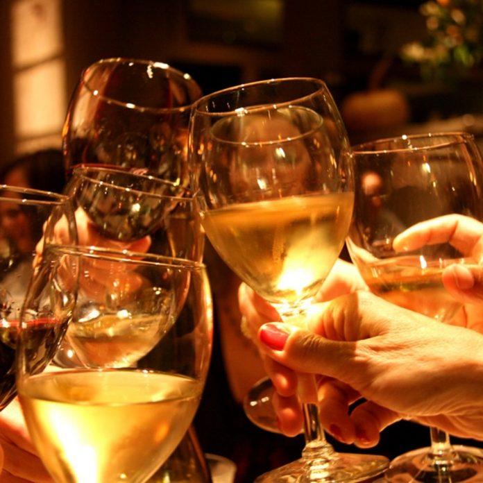 Προσοχή στο αλκοόλ τις μέρες των γιορτών