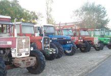 Συνάντηση συνεταιριστών-αγροτών στα Αμπελάκια με φόντο τα μπλόκα