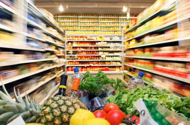 Σουπερ μάρκετ εναντίων αγροτών: Το ΕΚ επιδιώκει να προστατεύσει τους παραγωγούς