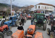 Τα τρακτέρ στους δρόμους ετοιμάζουν να βγάλουν οι αγρότες στη Λάρισα