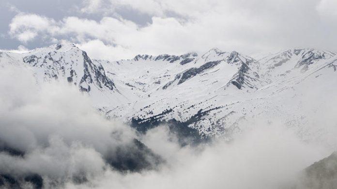 Πρωτοχρονιά με χιόνια και κάθετη πτώση της θερμοκρασίας