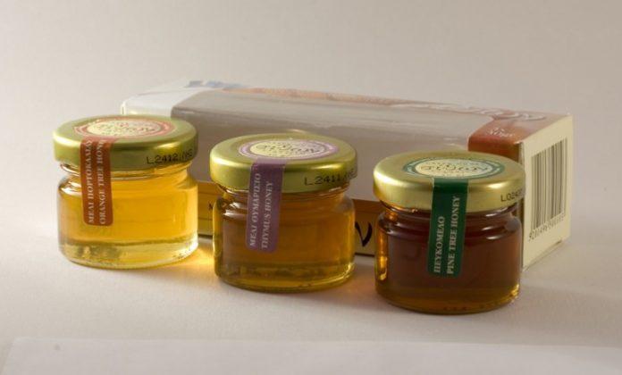 Σχέση αγάπης μεταξύ μελισσοκόμου και μέλισσας
