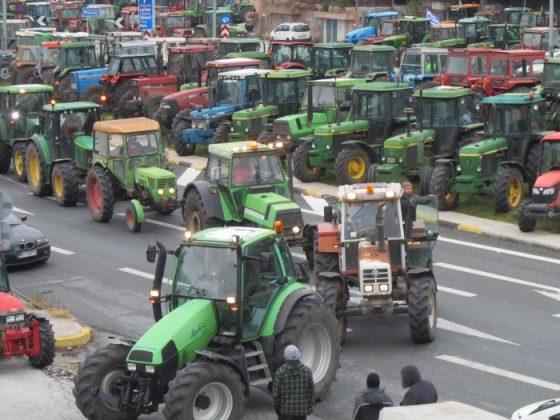 Ενωμένοι με κοινό διεκδικητικό πλαίσιο συνεχίζουν τον αγώνα τους οι αγρότες
