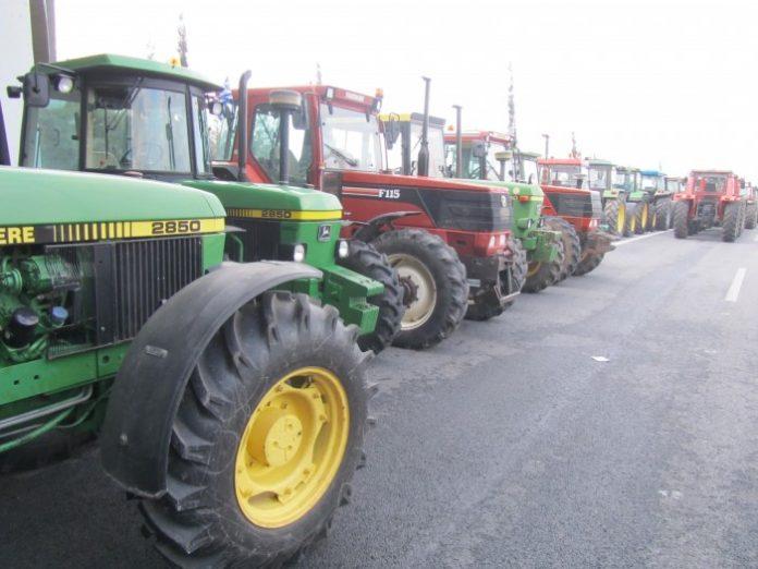 Σε αποκλεισμό του συνόλου των ελληνοβουλγαρικών και ελληνοτουρκικών συνόρων προχωρούν οι αγρότες του Έβρου