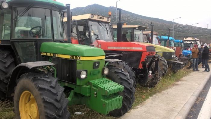 Αποκλεισμός της ΔΟΥ Σπάρτης από αγρότες – Κλειστοί οι δρόμοι το απόγευμα στην Πελ/νησο
