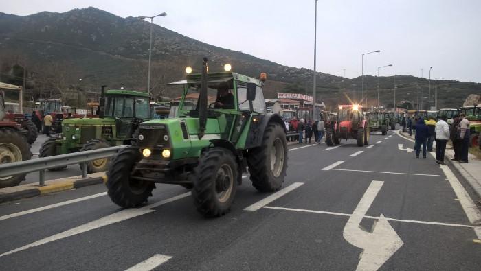 Θεσσαλονίκη: Στον κόμβο της Κουλούρας οι αγρότες της Πανελλαδικής Επιτροπής Μπλόκων