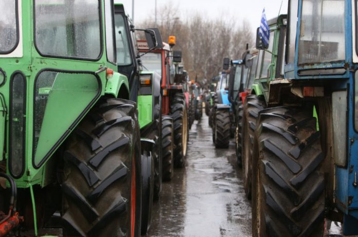 Αγρότες Καστοριάς: Φεύγουν από το μπλόκο, συνεχίζουν τον αγώνα