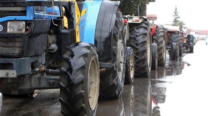 Έκλεισε το τελωνείο Κρυσταλλοπηγής από αγρότες της δυτικής Μακεδονίας
