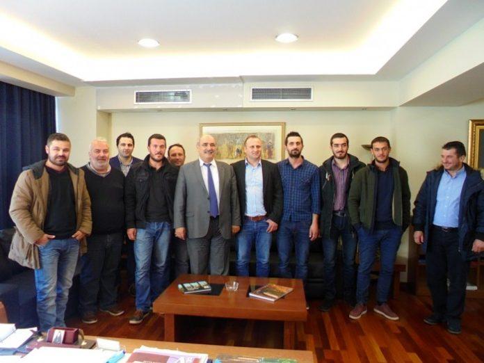 Συνάντηση Μ. Μπόλαρη με κτηνοτρόφους από Τύρναβο και Γρεβενά
