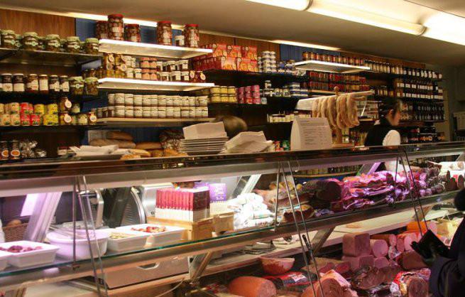 Με συνεχές και διευρυμένο ωράριο θα λειτουργήσουν τα καταστήματα ενόψει του Πάσχα.