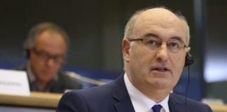 Χόγκαν: «Θέμα της ελληνικής κυβέρνησης η φορολογία των αγροτών»