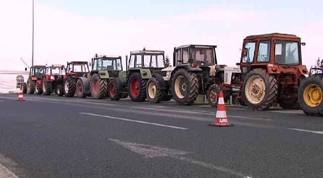 Ενισχύονται τα μπλόκα των αγροτών στη Βόρειο Ελλάδα