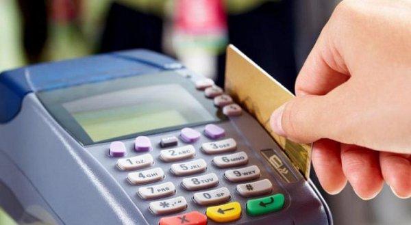 Σύνδεση αφορολόγητου και πληρωμών με κάρτες ανάλογα με το ύψος του εισοδήματος