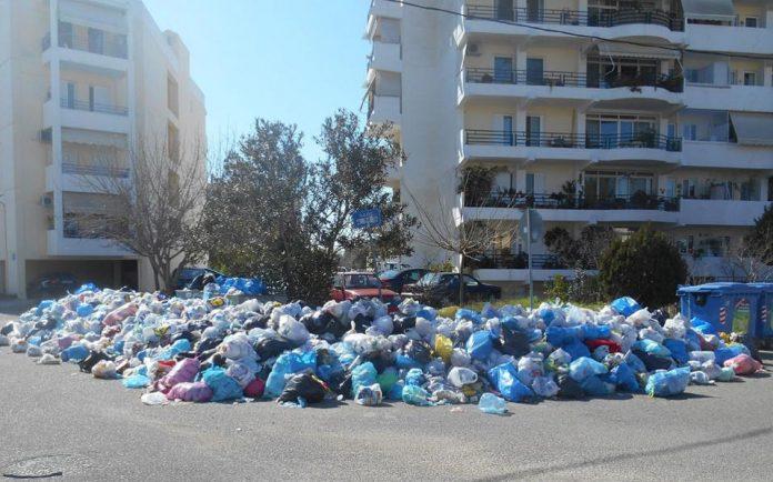 Στο ΧΥΤΑ Θηβών 1.500 τόνοι σκουπίδια από τον Πύργο