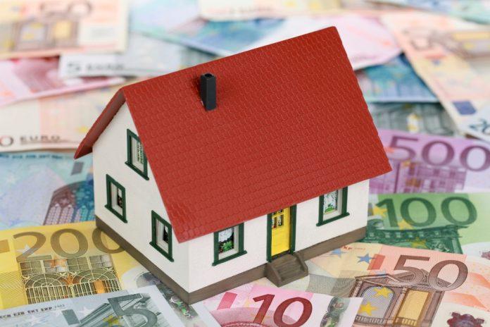 Ευνοϊκότερες ρυθμίσεις για τα κόκκινα δάνεια έχει στην ατζέντα η κυβέρνηση