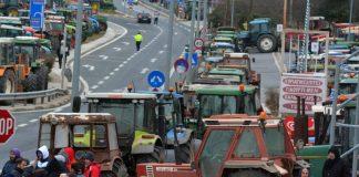Συλλαλητήριο στην Αθήνα και συνάντηση με τα συναρμόδια υπουργεία αποφάσισαν οι αγρότες στη Νίκαια