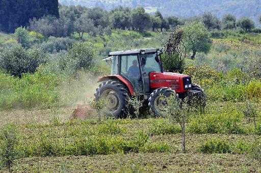 Αγρότης ανατράπηκε με το τρακτέρ του και σκοτώθηκε στο Πλατανάκι Νεμέας