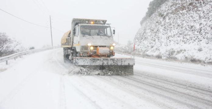 Συνεχίζονται οι χιονοπτώσεις σε Αχαΐα και Αιτωλοακαρνανία - κλειστός ο δρόμος Πούντας-Καλαβρύτων