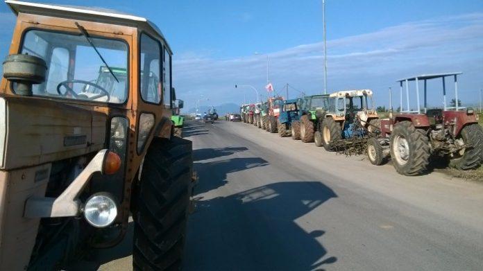 Στους δρόμους και οι αγρότες στις Ερυθρές Αττικής