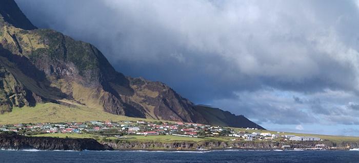Ζητείται αγρότης στο πιο απομονωμένο νησί του πλανήτη. Ενδιαφέρεστε;
