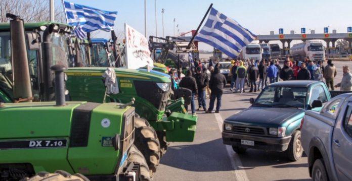 Αγρότες από την Αχαΐα, την Ηλεία και την Αιτωλοακαρνανία μεταβαίνουν στην Αθήνα με λεωφορεία και αυτοκίνητα