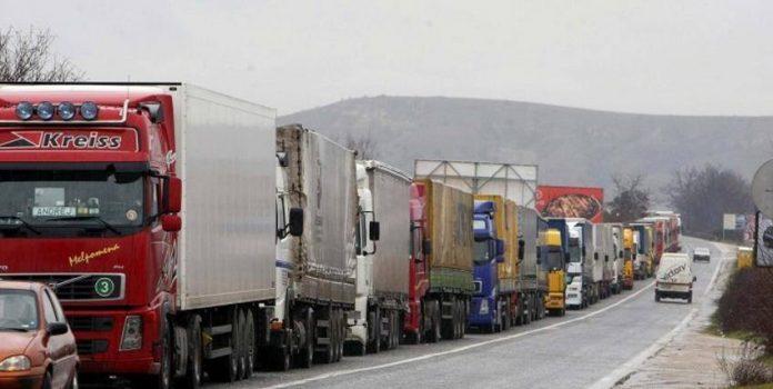 Κυκλοφοριακό μπλακ άουτ μετά την απόφαση των αγροτών να κλείσουν και την ΕΟ Λάρισας-Κοζάνης