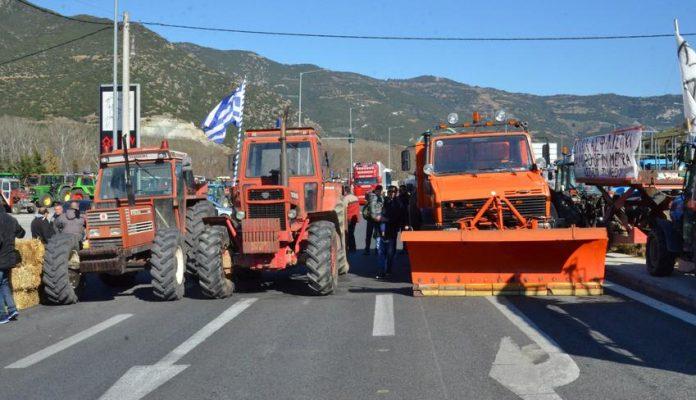Σκληραίνουν τη στάση τους οι αγρότες, μετά την κυβερνητική άρνηση για διυπουργική συνάντηση