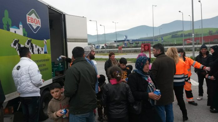 Η ΕΒΟΛ κοντά στους μετανάστες
