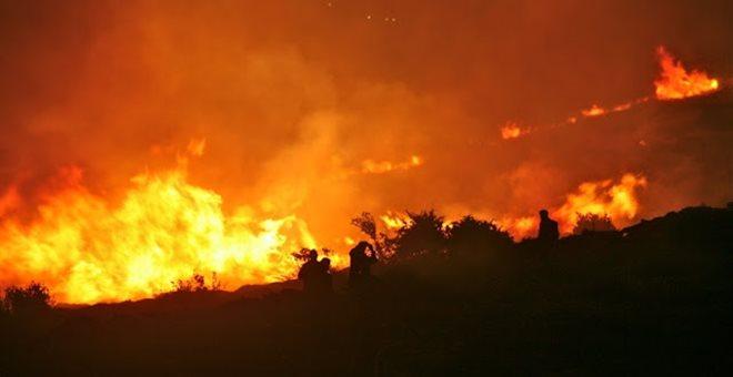 Προς Βαρνάβα, Καπανδρίτι και Σέσι, κινείται η μεγάλη πυρκαγιά
