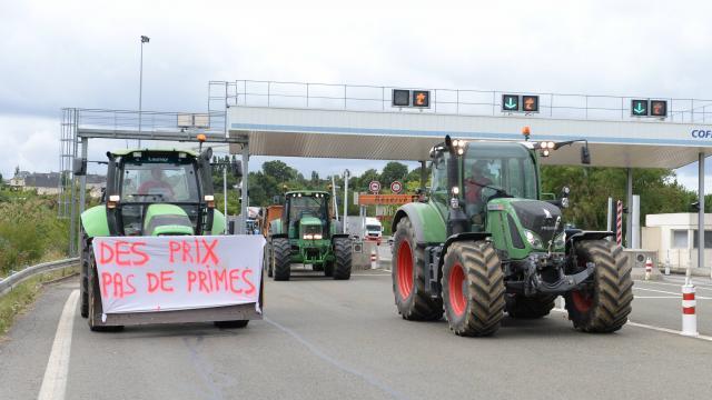 Στους δρόμους οι Γάλλοι αγρότες