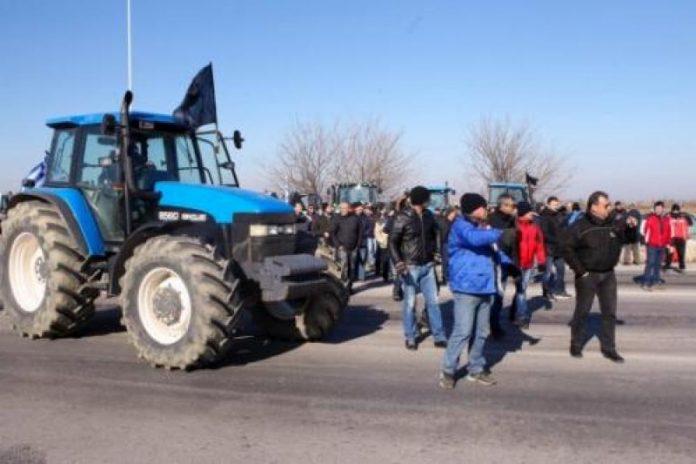 Στα διόδια Μαλγάρων αγρότες της ευρύτερης περιοχής