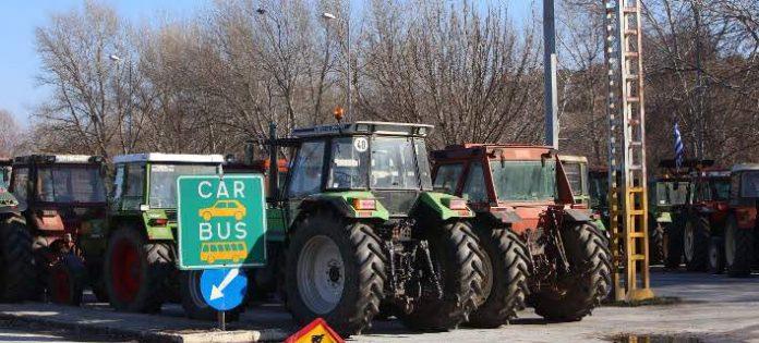 Με δυσκολία διεξάγεται η κυκλοφορία στα τελωνεία του Προμαχώνα και της Εξοχής στα ελληνοβουλγαρικά σύνορα