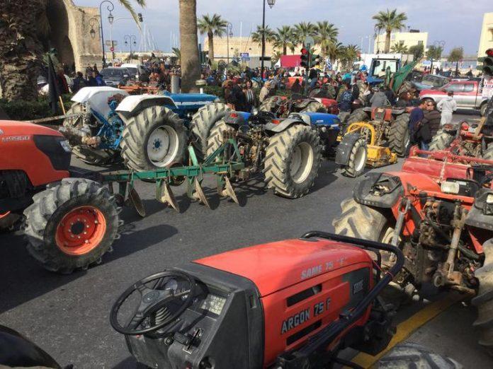 Και πάλι στα μπλόκα: Τα προβλήματα ενώνουν τον αγροτικό κόσμο