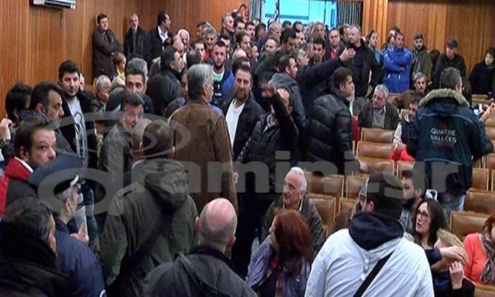 Διαμαρτυρία αγροτών σε εκδήλωση του ΣΥΡΙΖΑ Καβάλας