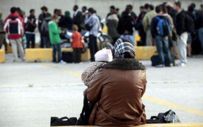Στους 3.680 οι πρόσφυγες και μετανάστες που φιλοξενούνται στο λιμάνι του Πειραιά