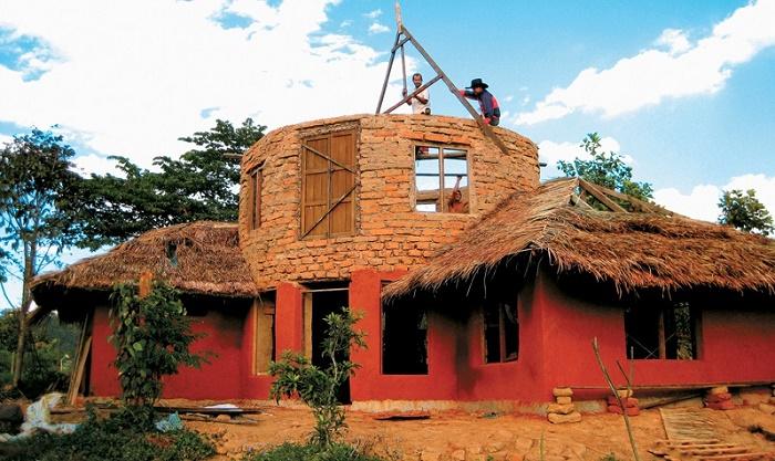 Σπίτια πλασμένα από πηλό