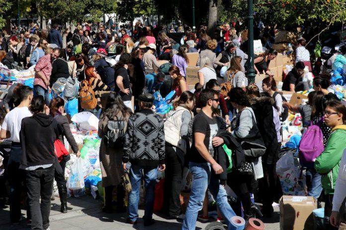 Μεγάλη η ανταπόκριση του κόσμου στη συγκέντρωση ειδών για τους πρόσφυγες