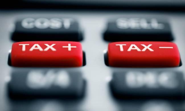 Aπό το 2018 η αύξηση στους έμμεσους φόρους