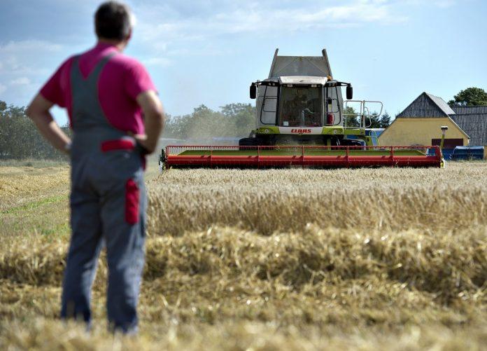 Ασφαλιστική εισφορά 87 ευρώ το μήνα για 9 στους 10 αγρότες βλέπει ο ΣΥΡΙΖΑ