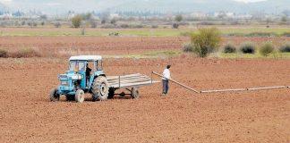 Μαξίμου: Κλείδωσε η εισφορά 16% για τους αγρότες