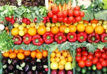 """""""Τεχνητή"""" και """"περιστασιακή"""" η έλλειψη ορισμένων φρούτων και κηπευτικών από την αγορά, επισημένουν παραγωγοί και έμποροι"""