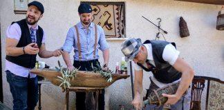 Τρεις νέοι παράγουν καλλυντικά από αγνό ελαιόλαδο